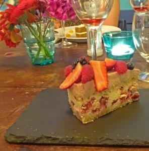 Cake at Bon Lloc1